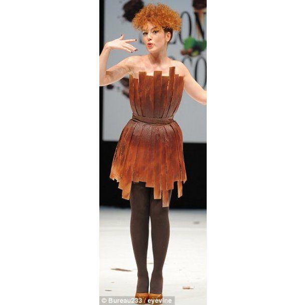 На ярмарку шоколаду в Парижі на моделях танули сукні