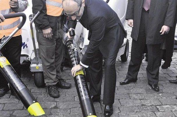 Харьков выбросил более 4 млн гривен на 15 импортных пылесосов