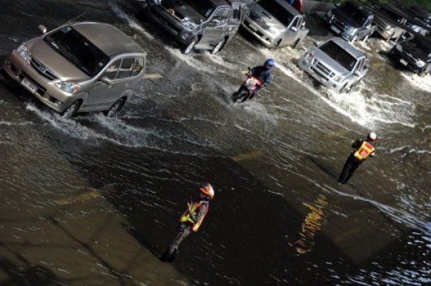 Бангкок став зоною стихійного лиха: затоплено аеропорт