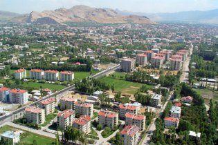 Землетрясение в Турции: обвалился 7-этажный дом, люди в панике