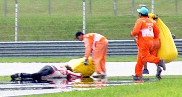 Мотогонщик розбився на смерть на трасі (відео)