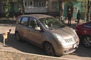 Автомобили врачей обозначат стикерами и позволят бесплатно парковаться