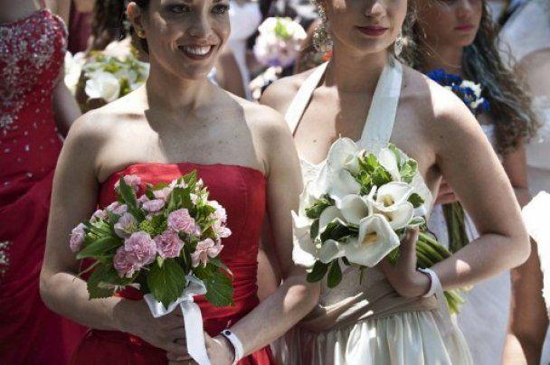 В бразильському Сан-Паулу провели парад наречених