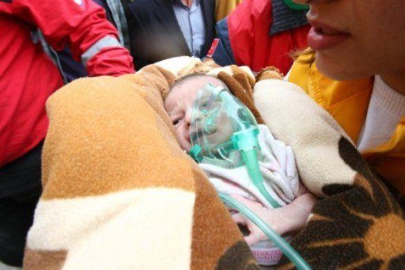 З-під завалів у Туреччині врятували немовля_5