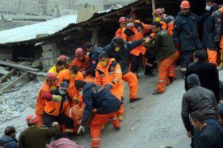 Землетрясение в Турции: люди из под завалов шлют смс с просьбой помощи