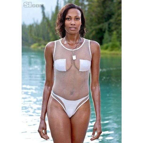 Сексуальная волейболистка в фотосессии для Sports Illustrated