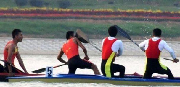 Китайські веслярі побилися веслами до крові