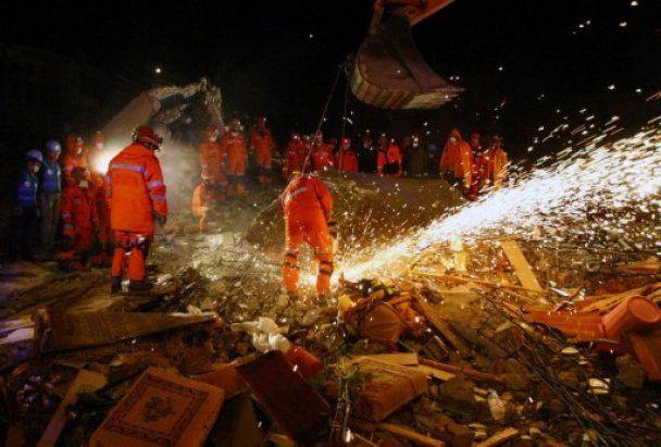 Землетрясение в Турции унесло жизни более полутысячи человек