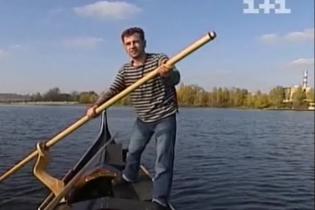 Первый украинский гондольер с удовольствием дал бы Януковичу весло