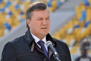 Янукович собирается на Буковину. У людей проверяют чердаки