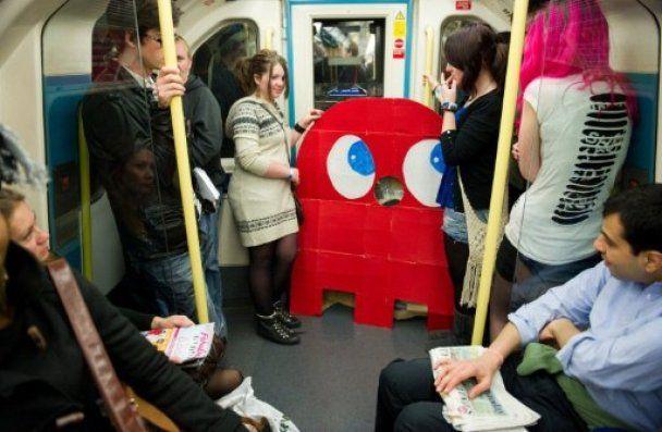"""В Лондоне встретились братья Марио, герои """"Аватара"""" и Пэк-мэн"""