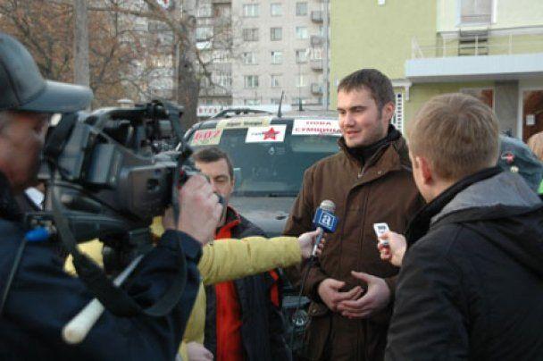 Януковичу-младшему за победу подарили оружие