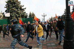 Чернобыльцы завтра пойдут штурмом на Азарова с Януковичем