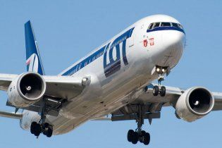 Над Варшавой кружит и не может сесть Boeing с 230 пассажирами на борту