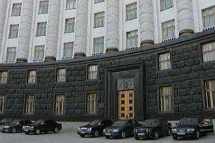 ЗМІ: У Азарова готують нових прем'єра Криму та двох губернаторів
