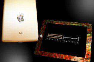 Создан iPad 2, украшенный костями динозавра и бриллиантами
