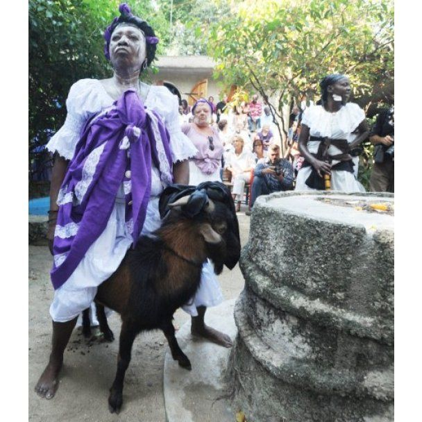 На Гаити День всех святых отметили по ритуалам вуду