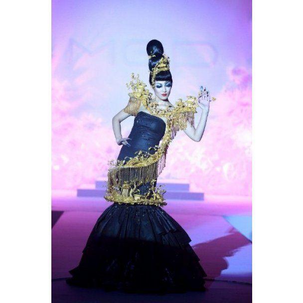 Феерический показ на Пекинской неделе моды