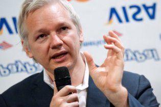 """Джуліан Ассанж зробить фільм про WikiLeaks на кшталт """"Соціальної мережі"""""""