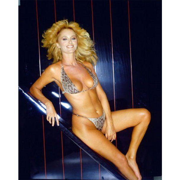 """Екс-модель """"Playboy"""" вирішила придбати один з найтитулованіших англійських клубів"""