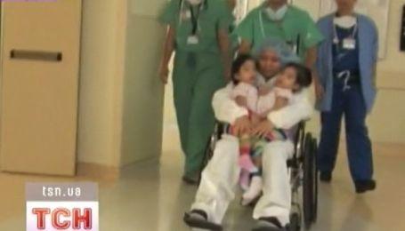 Сложнейшая операция по разъединению сиамских близнецов