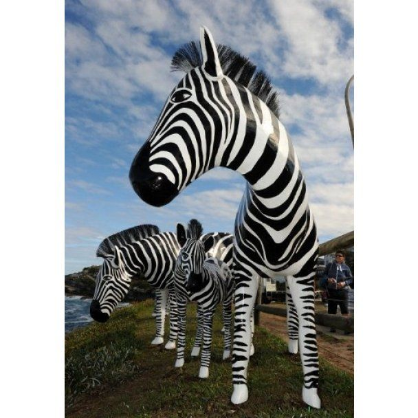 Дивовижні скульптури з'явились на пляжі в Сіднеї