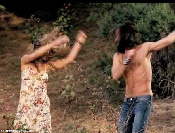 Дженніфер Еністон і Джастін Теру закохались, коли доїли козу