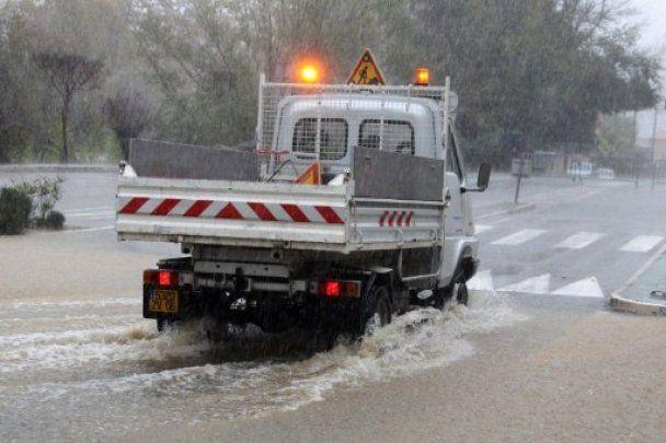 Сотні людей тікають з півдня Франції через загрозу повені