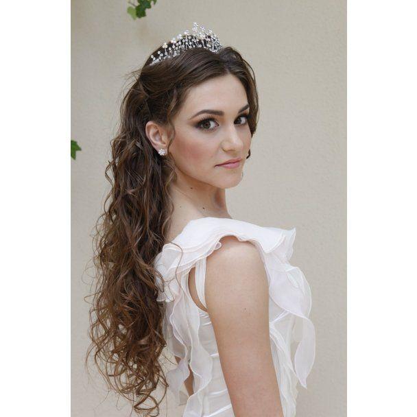 """За найдорожчу корону у світі краси """"Міс Земля"""" змагатиметься дві українки"""