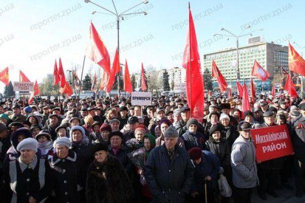 У Запоріжжі відкрили пам'ятник Сталіну і побили журналіста