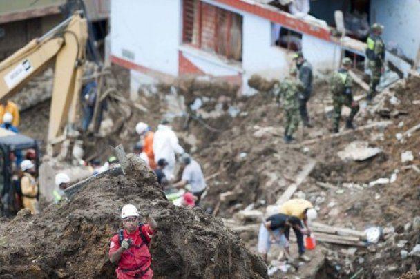 Зсув у Колумбії поховав під камінням десятки людей