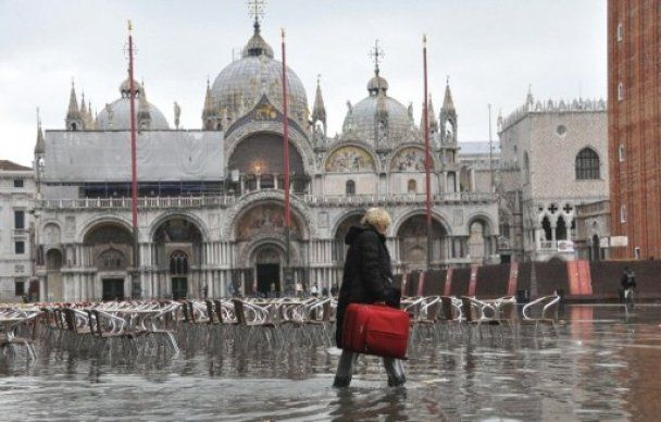 """""""Висока вода"""" заповнила Венецію"""
