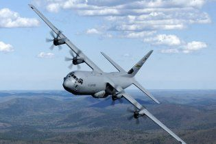 Военные самолеты США ремонтировали подделками из Китая