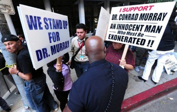 Врач, виновный в смерти Майкла Джексона, арестован