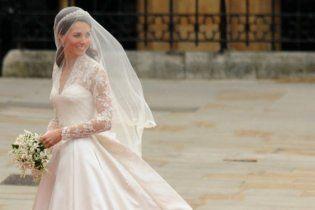 В каком платье надо выходить замуж в високосный 2012 год