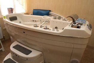 Українська міліція купатиметься у перлинних ваннах за 50 тисяч гривень