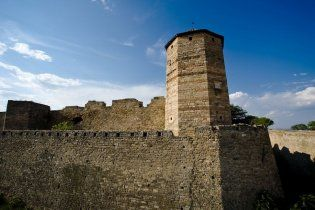 Акерманська фортеця руйнується, очікуючи кінця світової кризи
