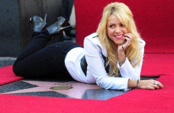 Шакира получила на Аллее Славы звезду №2454