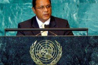 Президент Науру подал в отставку из-за помета летучих мышей