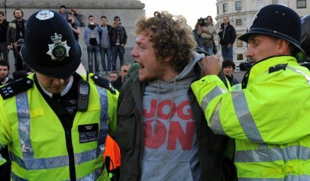 Полиция подавила тысячную акцию протеста студентов в Лондоне