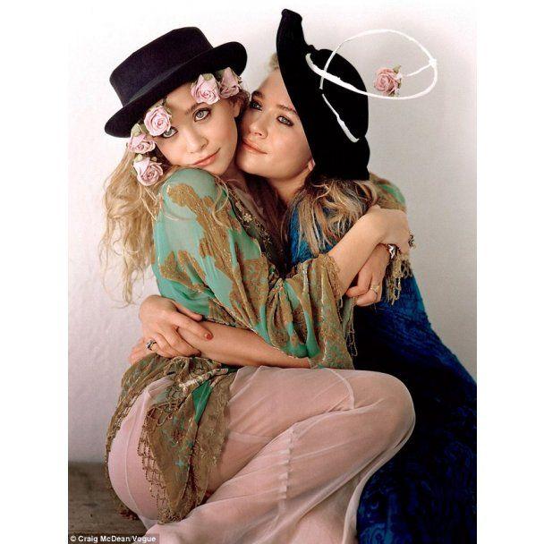 Vogue назвал сестер Олсен самыми стильными