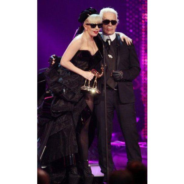 Леді Гага отримала від Лагерфельда золотого Бембі
