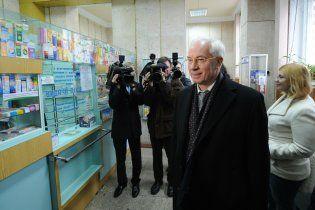 Азаров рассказал, как уже год не получает от МВФ ни доллара