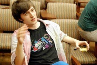 Умер 22-летний студент, который создал альтернативу Facebook