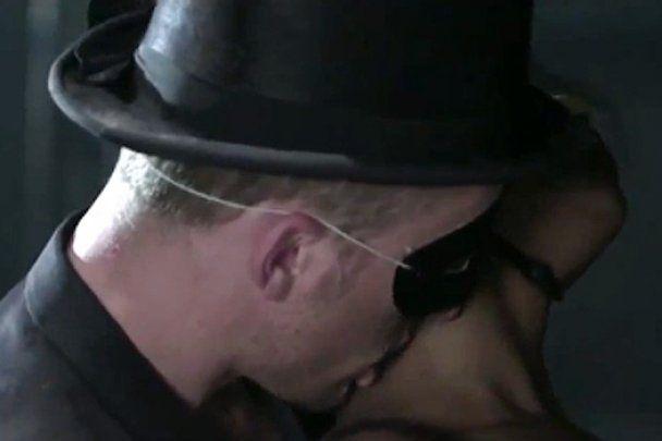 Бритни Спирс выпустила видео оргий