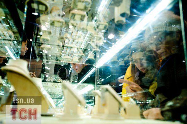 Выставка золота и бриллиантов открылась в Киеве