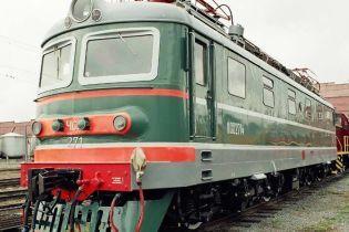 У Криму потяг збив жінку