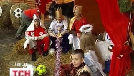 Две чудо-шопки установили к рождественским праздникам в Западной Украине