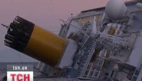 Судно Costa Concordia потерпело крушение у итальянского побережья