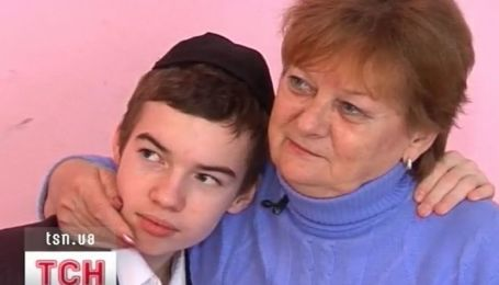 Родная бабушка и внук нашли друг друга через 4 года